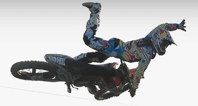motorcrosser vliegend door de lucht