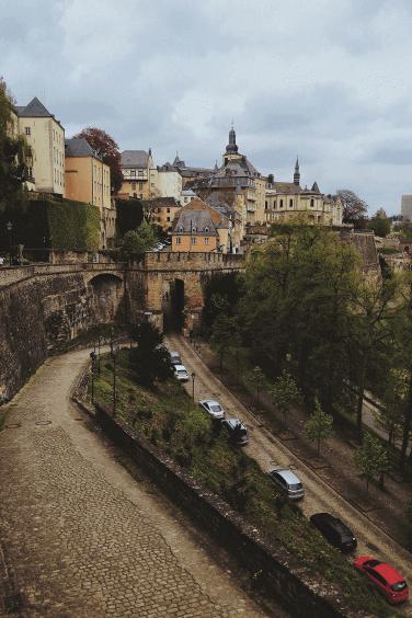 owan-heuvel-21414-CheminDeLaCornicheLuxembourg