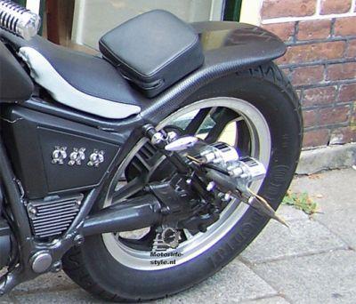 Honda Twin achterkant , motorbike costumizing